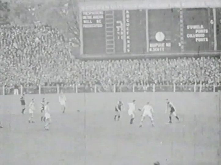 1935 Grand Final Collingwood vs South Melbourne at the MCG.