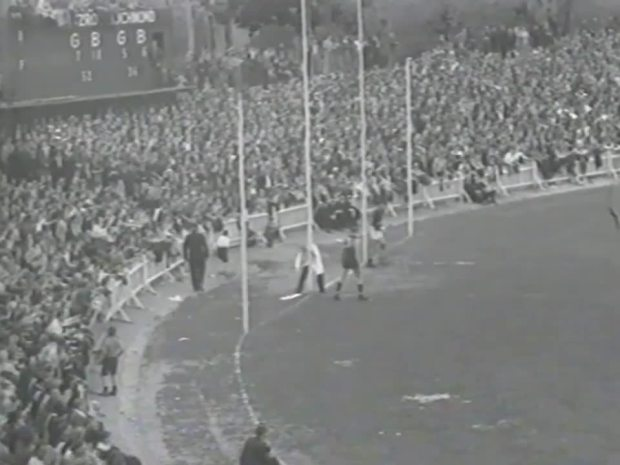 1944 Grand Final Fitzroy vs Richmond at the Junction Oval.