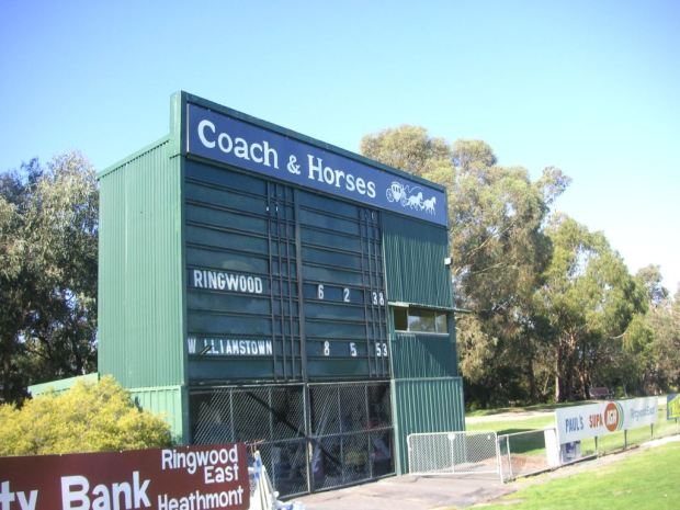 Coaches, horses and victory to the Seagulls over the Spiders.