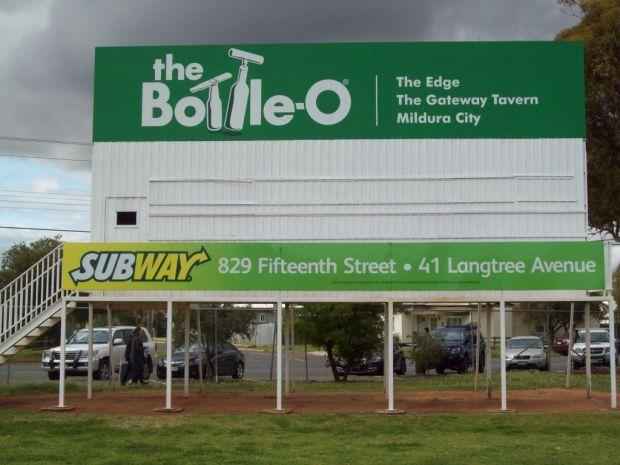 Main oval, Mildura City Oval complex. Big scoreboard!